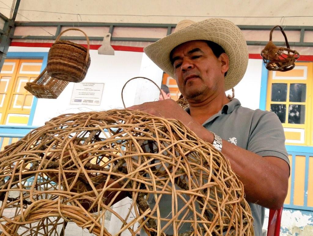 Le tissage et la vannerie à Barichara et à Filandia
